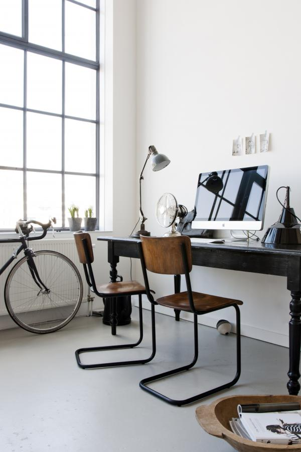 Workspace inspo via Gravity Home blog