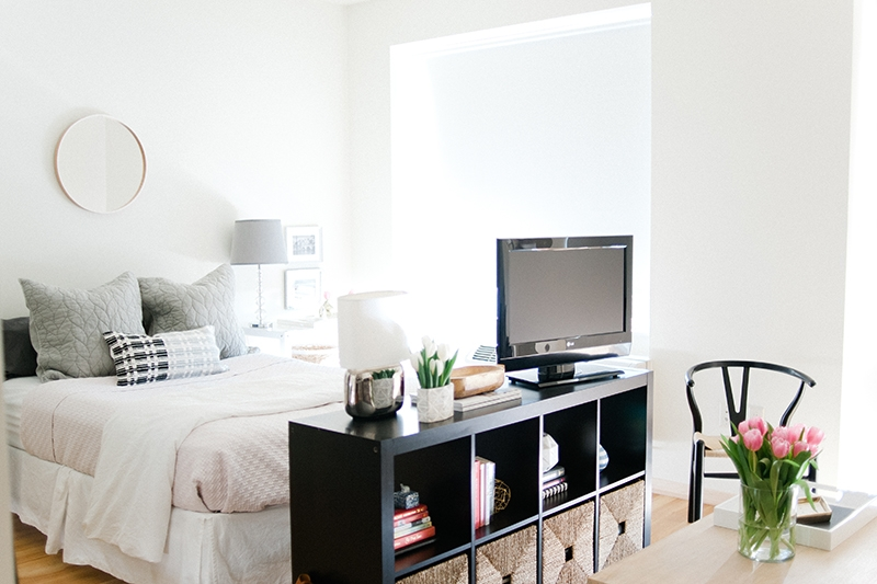 Studio apartment interior styling via The Every Girl