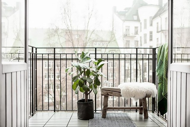 small balcony decor inspiraton