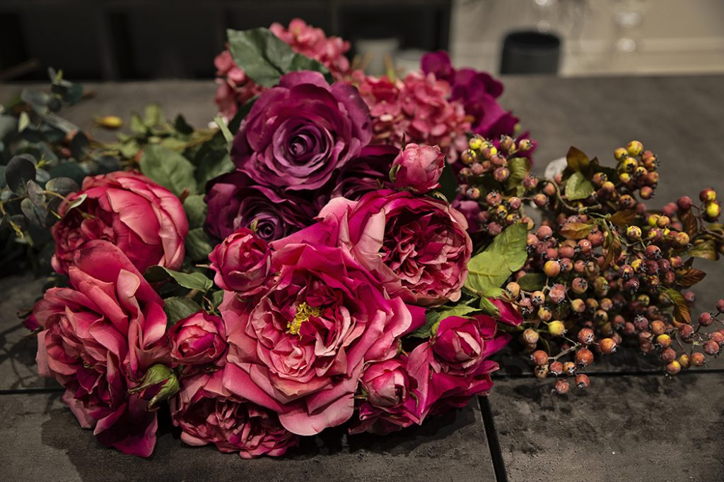 Stylish Sia Artificial Flowers Now In Dubai