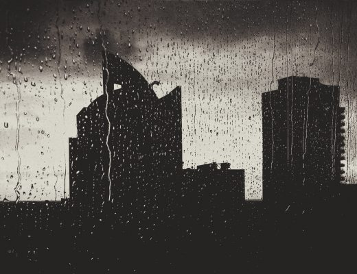 Rainy days - black & white cityscape